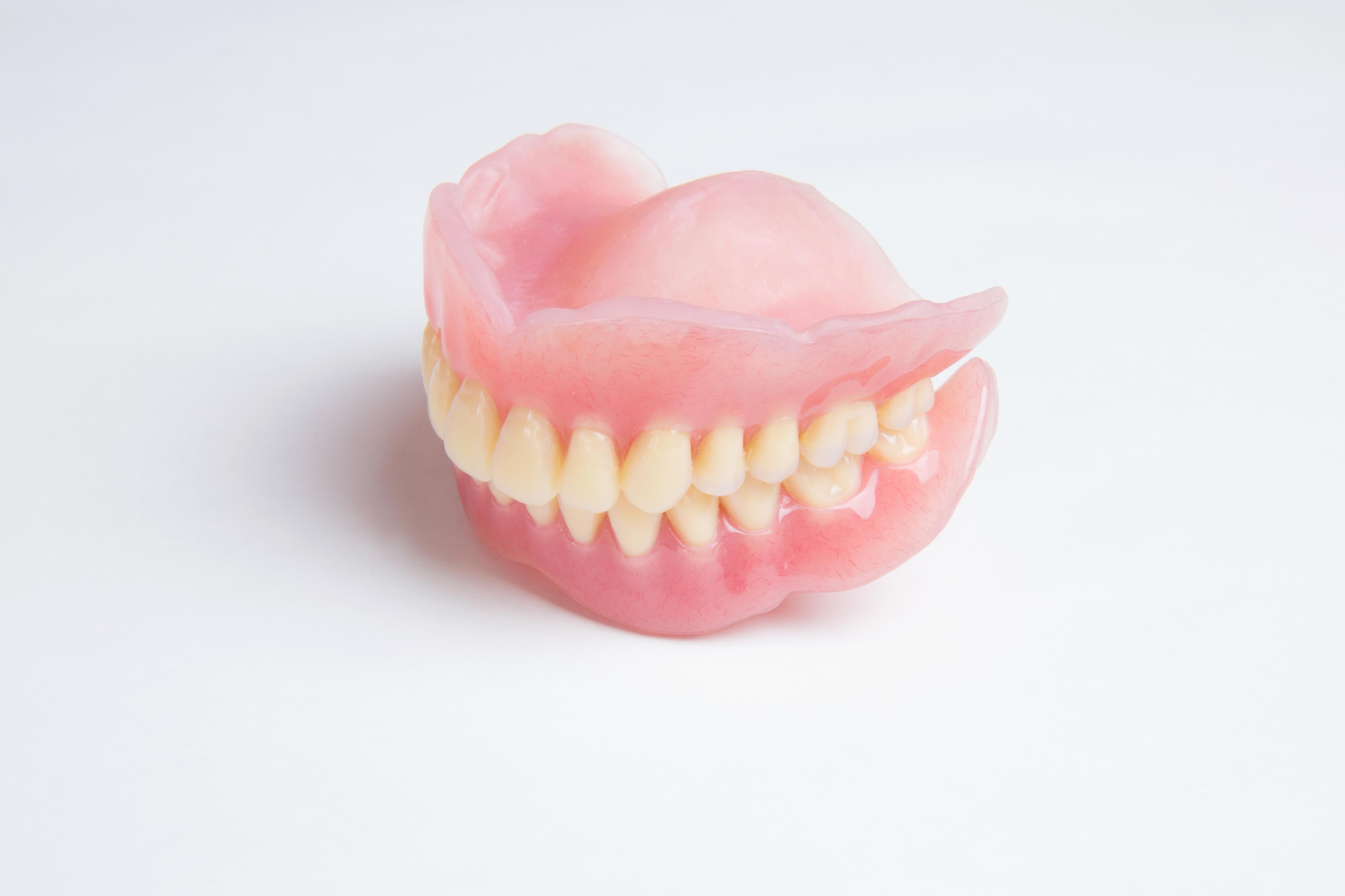 全歯欠損(総入れ歯など)の場合